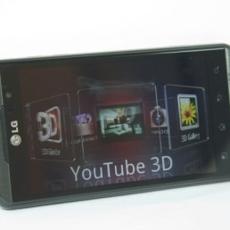 3D YouTube na Optimusu 3D